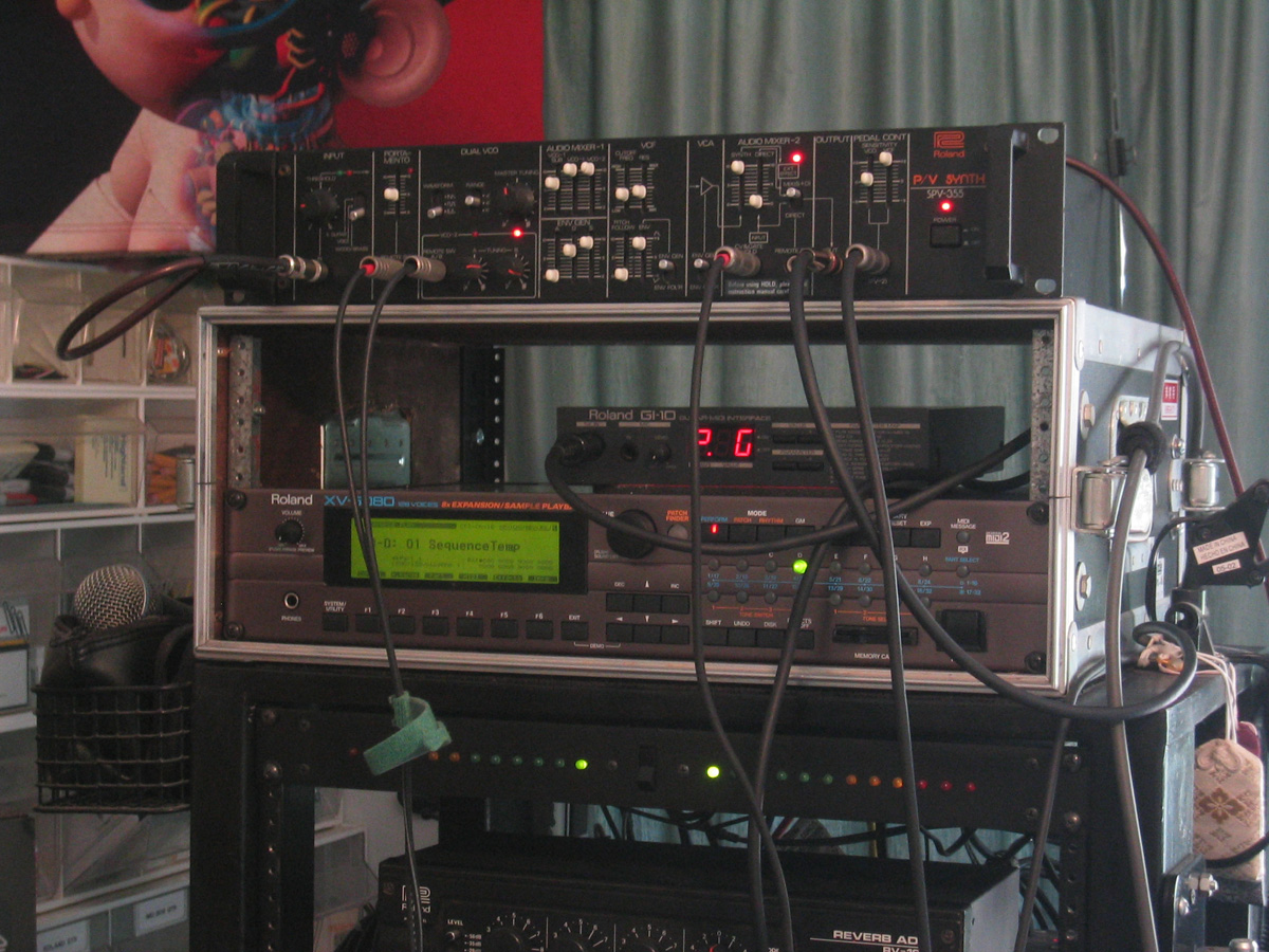 roland p  v synthesizer spv